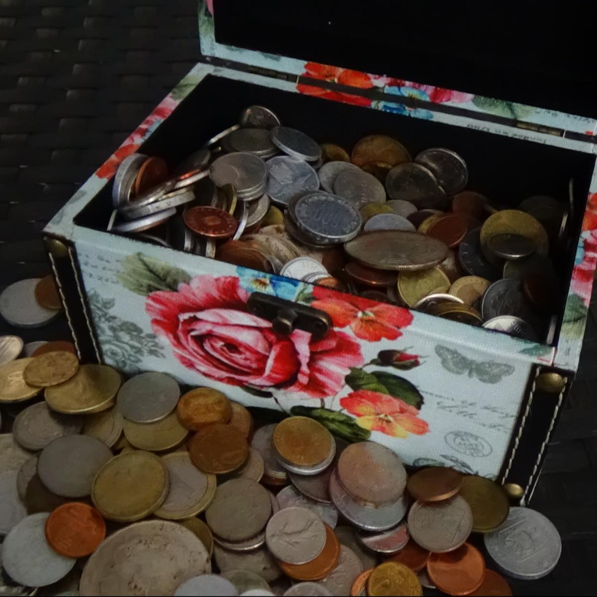 Am incercat trei metode de a curata monedele vechi gasite cu detectorul demetale