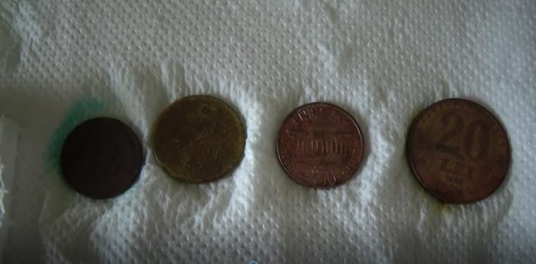 curatat monede cu sare de lamaie si sare de mare.jpg
